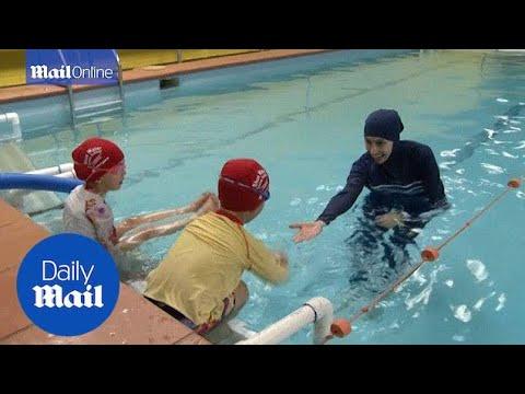 Australian swim instructor Fadila Chafic wears a burkini - Daily Mail