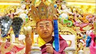 H.H.Sakya Trizin chants 100 syllable mantra of Vajrasattva