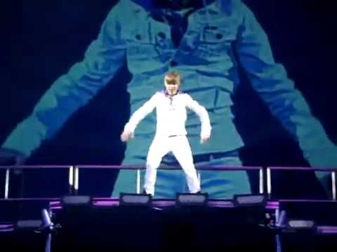 Justin Bieber- Bigger MADISON SQUARE GARDEN