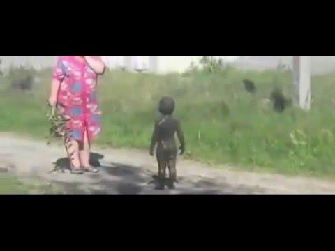 Измазанные в болотной грязи смотреть видео