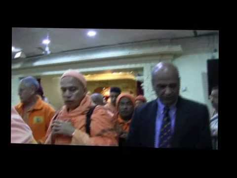 "HINDU TEMPLE OF GREATER CHICAGO, LEMONT, ILLINOIS ""HONORING THE MONASTICS"": TEMPLE TOUR"