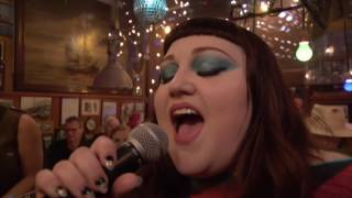 """Beth Ditto - """"Fire"""" - Inas Nacht, ARD, 24.6. 2017"""
