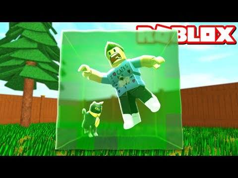 SURVIVE THE GIANT ROBLOX SLIMES!