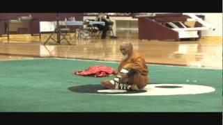 Шаолинь Сы. Показательное выступление(Отличное мотивирующее видео с 80-летним китайским дедушкой - обратите внимание, по сути монах выполняет..., 2015-03-11T12:22:04.000Z)