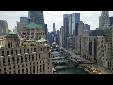 Holliday Inn Chicago Mart PLaza | Hotel And Room Tour