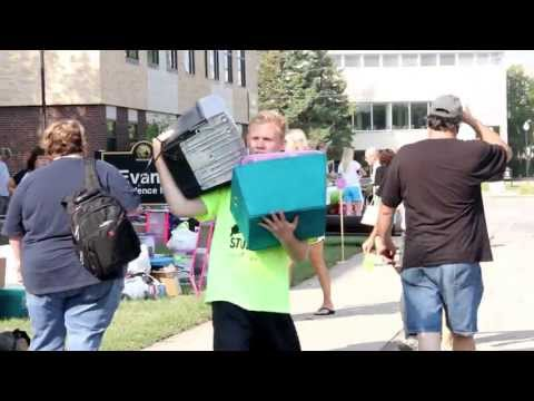 UW Oshkosh Move-In Day 2013