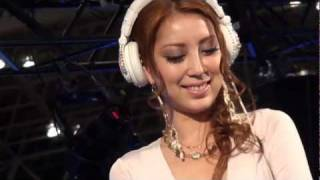 """TOKYO AUTO SALON 2012 :TWS をクラブスタイルで盛り上げる超美人DJの""""D..."""