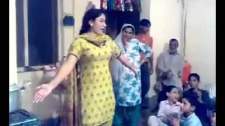 Kitchen dancing bold girl with in Pashto song home made video
