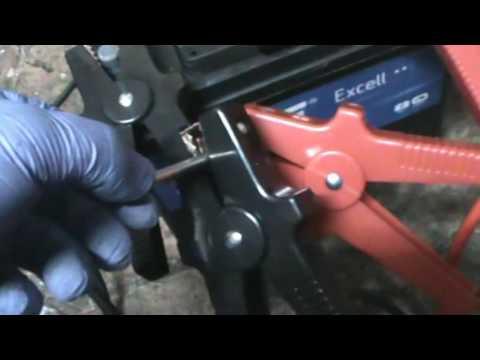 Citroen C3. Desmontar/instalar y verificar los calentadores. Video 23 de 27.
