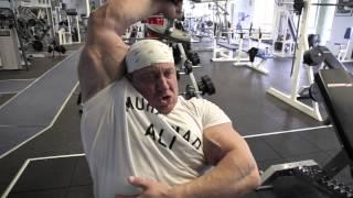 Markus Rühl trainiert Arme, Teil 3: Bizeps und Trizeps, ideale Übungen zum Abschluss des Trainings