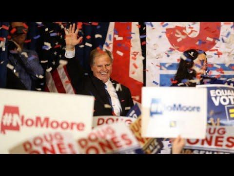 فوز مفاجئ للمرشح الديمقراطي في انتخابات ولاية آلاباما وضربة قاسية لترامب  - نشر قبل 2 ساعة