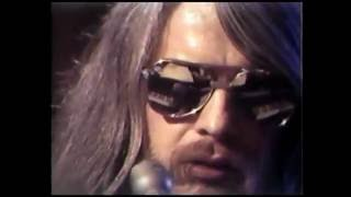 Watch Leon Russell Will The Circle Be Unbroken video