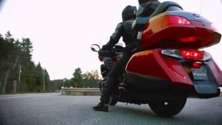Honda Gold Wing - 40 Ans De Tourisme De Luxe - French