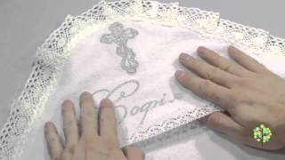 видео Крестильный комплект для девочки с полотенцем. Модель Василиса