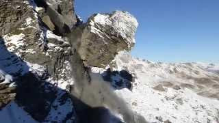 Éboulement impressionnant d'un bloc de falaise en Suisse