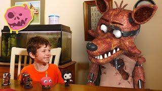 real fnaf vs kids - what do the animatronics think of toys?