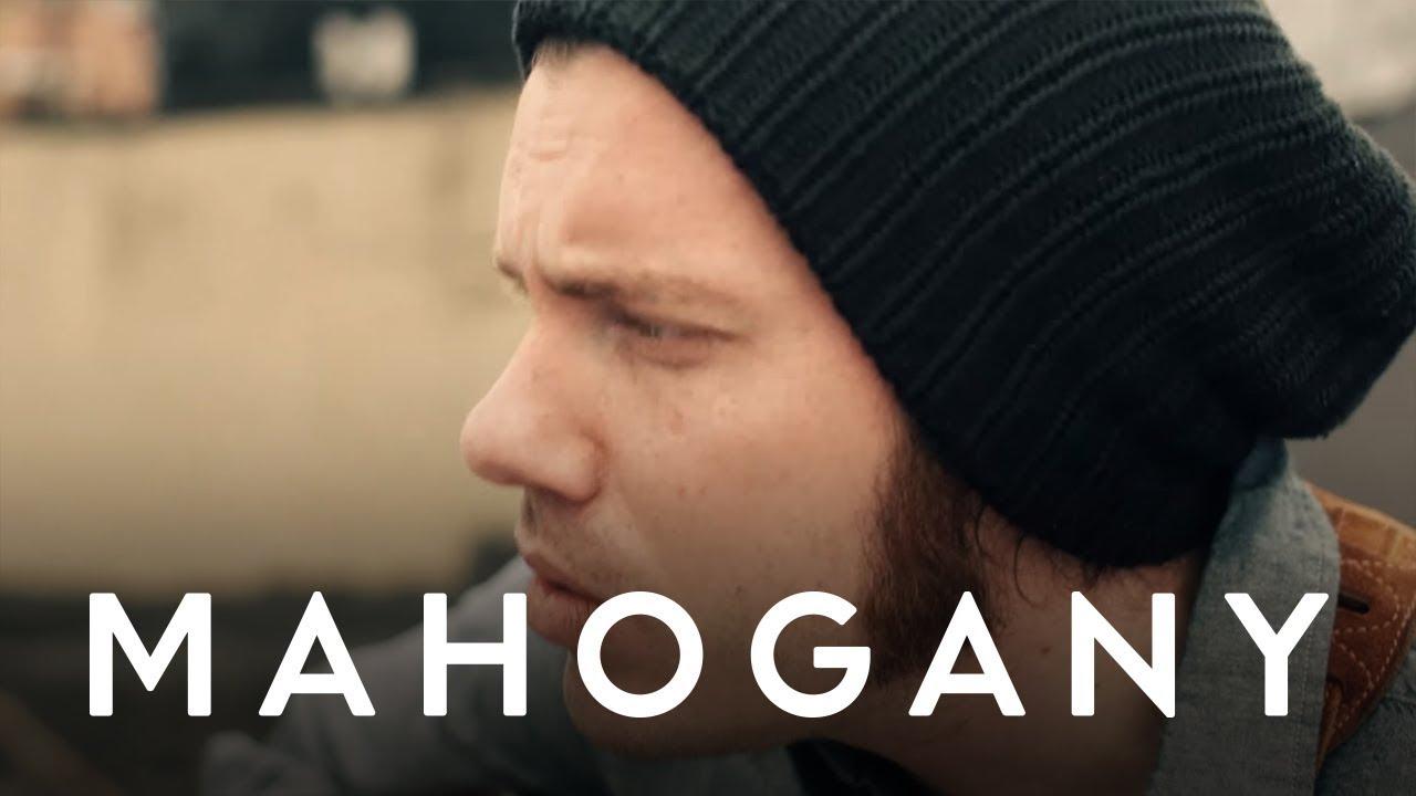 josh-garrels-at-the-table-mahogany-session-mahogany-sessions