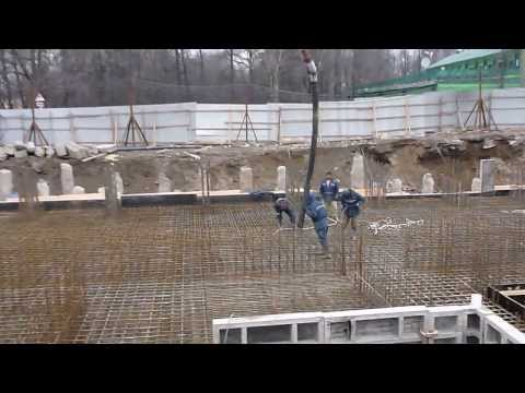 Заливка бетона через автобетононасосы. БалтБетонКомплект СПб.