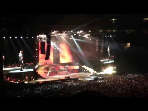 Guns N' Roses – Nightrain [LIVE 8/3/16 – AT&T Stadium – Dallas, TX]