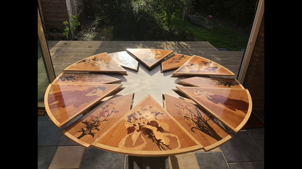 Table ronde extensible art nouveau