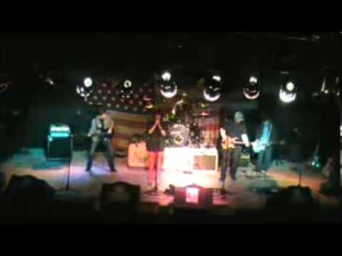 4th Avenue - The Robin Moore Band