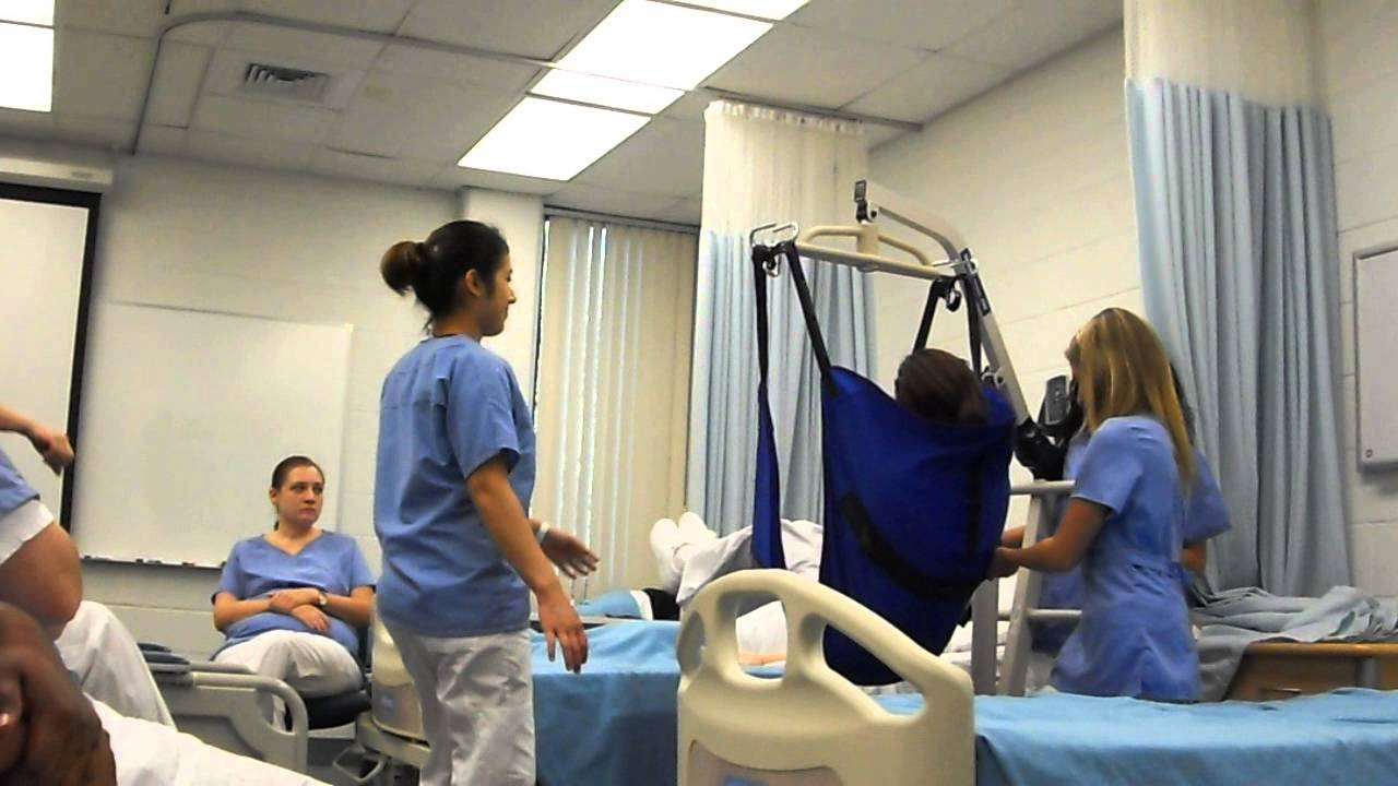 Cna Class 2012 Hoyer Lift Practice Youtube
