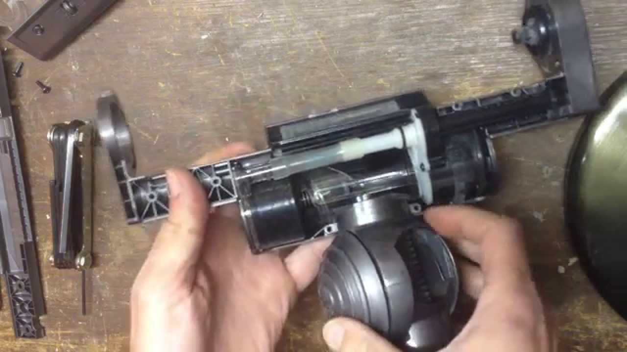 Taking apart a Dyson DC39 Triggerhead - YouTube