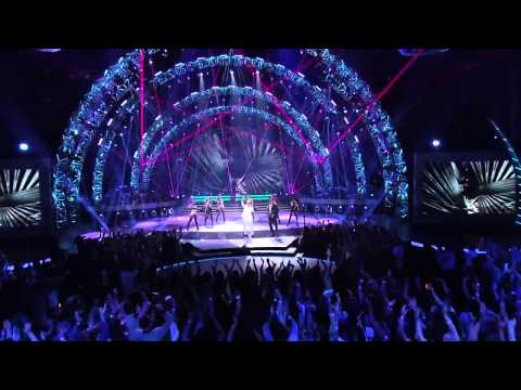 Pitbull _ Chris Brown _ Qaasim American Idol 2015