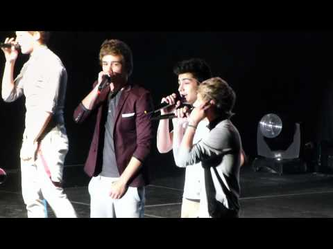 One Direction in San Jose - Twitter questions: Zayn and Niall singing Shot for Me + 'SNL dance'
