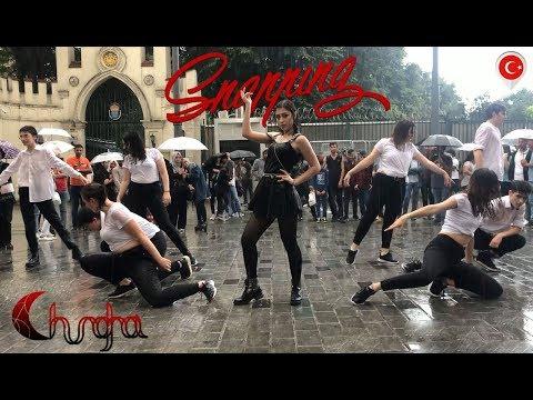 [K-POP IN PUBLIC RAIN CHALLENGE TURKEY][ENG SUB] CHUNG HA (청하) - Snapping Dance Cover [TEAMWSTW]