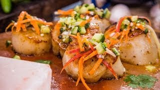 Home & Family How to Make Seared Scallops Grilled on a Himalayan Salt Block
