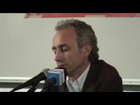 Marco Travaglio parla all'Università Bocconi - 07/05/2010