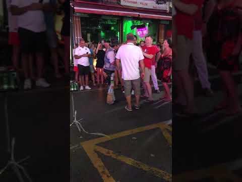 Patong Beach Street Magician Show 1 - Phuket