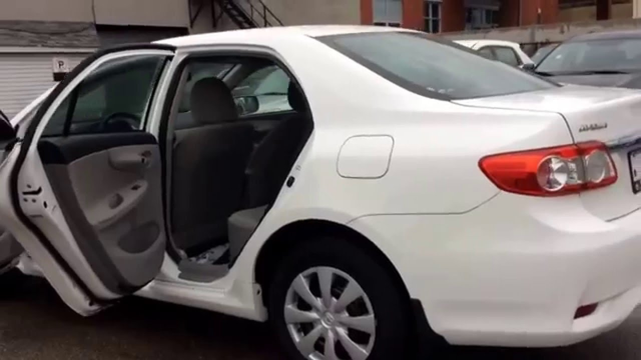 Awesome 2011 Toyota Corolla White/Automatic/Heated Mirrors