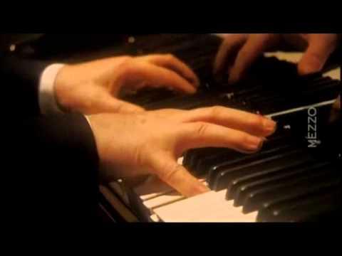 Beethoven Sonata N° 29 'Hammerklavier'   Daniel Barenboim