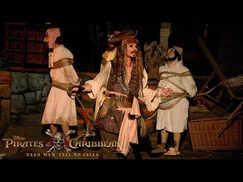 Johnny Depp Surprises Fans as Captain Jack Sparrow at Disneyland!