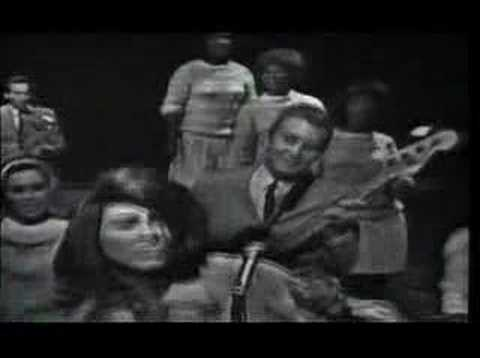 Tina Turner - A Fool In Love