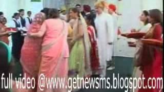 Karisma Kapoor Wedding P 3 Full Coverage www.getnewsms.blogspot.com