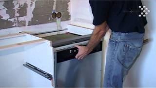 Vaatwasser installeren in een nieuwe keuken, video uitleg