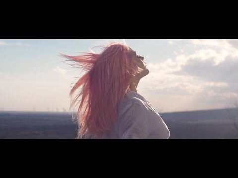 Смотреть клип Aless - Druhá Šanca