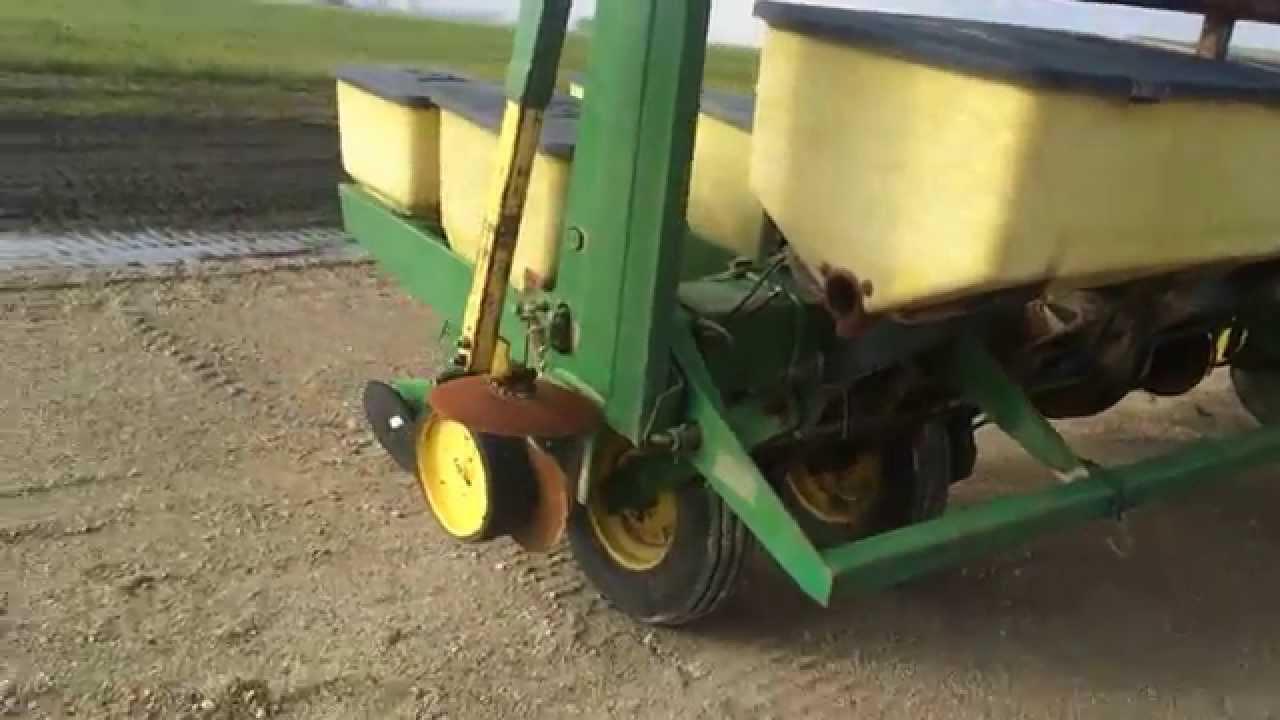 John Deere 7000 8 Row Planter Youtube