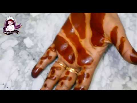 طريقتي في عمل حناء احمر غامق على اليد باأبسط التكاليف How To Make Henna Paste With Dark Red Stains Youtube