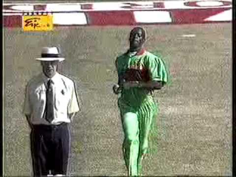 Sensational batting Sanath Jayasuriya and Romesh Kaluwitharana blitzing Kenya in 1996 World Cupwww savevid com