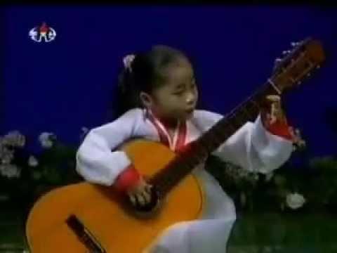 Chinese girls pissing