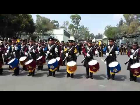 Bandas de guerra heroico colegio militar escuela militar for Escuela de ingenieros