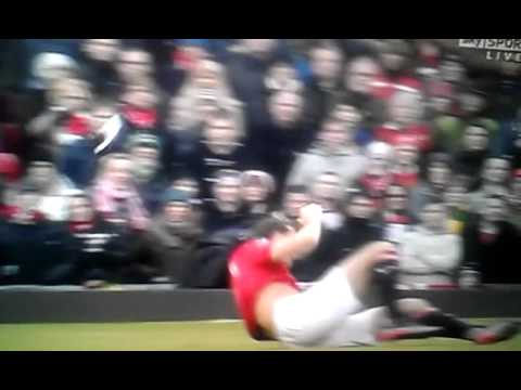 Rio Ferdinand Faceplant (Man United vs Liverpool)