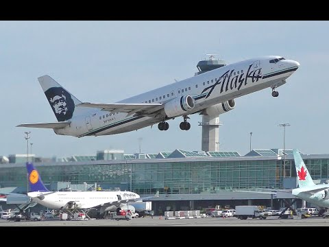 Alaska Airlines Boeing 737-400 Takeoff from YVR