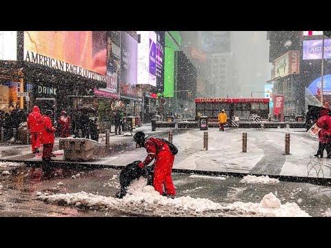 NEW YORK CITY 2018: FIRST SNOWFALL BEFORE THE CHRISTMAS! [4K]