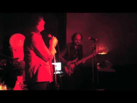 Donny Benet & Jack Ladder - Bette Davis Eyes (Live at Goodgod)