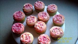 Two colour swirl cupcakes